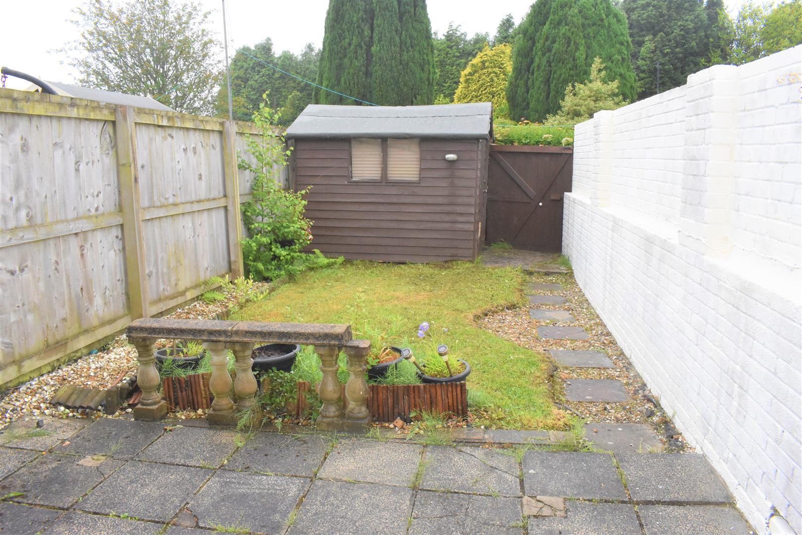 Fox Grove, Fforestfach, Swansea, SA5 4NY